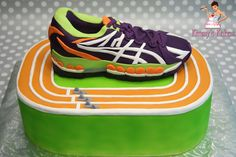 Track Star Track is x sheet and running shoe is carved out of x sheet. All fondant. Running Cake, Best Trail Running Shoes, Asics Running Shoes, Sports Themed Cakes, Bithday Cake, Birthday Cakes For Men, 70th Birthday, Sport Cakes, Runners Shoes