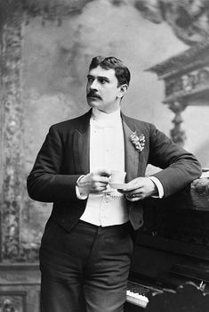 """bonaventures: """" Maurice was a wit and a talented performer to whom there were two abiding mysteries in life: he never correctly estimated either his bank account or his capacity to hold liquor. Barrymore Family, John Barrymore, Vintage Photographs, Vintage Photos, People Of Interest, Man Photo, Most Beautiful Man, Famous Faces, Old Hollywood"""