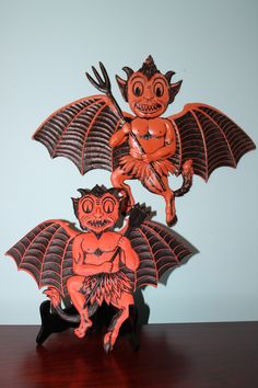 Rare German Winged Devil Bat diecuts. The top characters appears to have been available as late as 1955 so far. See http://vintage-halloween.blogspot.com/2015/11/halloween-in-germany1955.html