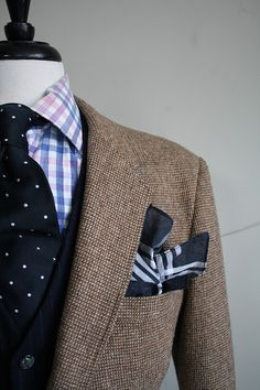 Such a Cool Tshirt..........tweed blazer and navy
