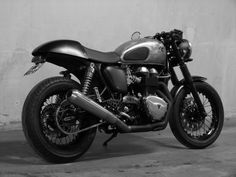 Triumph cafe thruxton