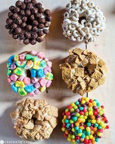 Si buscas opciones para desayunar que no se derritan… Donas de leche y cereal. | 12 Recetas que puedes hacer con el cereal que tienes en casa