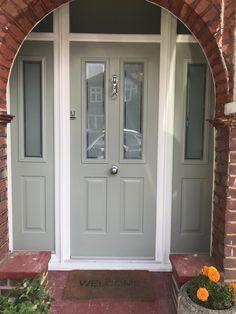 41 Ideas house decor exterior front doors for 2019 Arched Front Door, Victorian Front Doors, Green Front Doors, Front Door Porch, Porch Doors, Front Door Entrance, Exterior Front Doors, House Front Door, Painted Front Doors