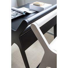 K desk rafa-kids black&white.jpg