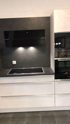 gerade fertig geworden in wir für wünschen der jungen Familie viel Spaß mit der neuen 🍀 Kitchen Room Design, Kitchen Sets, Modern Kitchen Design, Diy Kitchen, Kitchen Interior, Kitchen Decor, Dark Kitchen Cabinets, Kitchen On A Budget, Cuisines Design