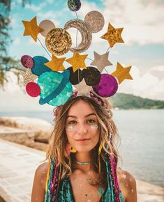 Mega beautiful disguise ❤ Festival Girl on the way to the stars Carnival . - Petra homepage Mega beautiful disguise ❤ Festival Girl on the way to the stars Carnival… Halloween Look, Halloween Outfits, Holidays Halloween, Halloween Party, Mardi Gras Costumes, Diy Costumes, Carnival Costumes, Space Costumes, Fancy Costumes