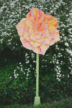 DIY Wedding Crafts : DIY: Giant Standing Paper Flower For Wedding