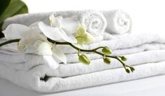 Une odeur délicate sur soi, ça ne passe pas uniquement par les parfums corporels, mais aussi par le linge. On n'y pense pas, mais on peut personnaliser l'odeur de son...
