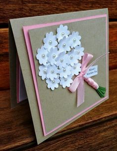 DIY Papier 25 brilliant DIY paper ornament card ideas for Christmas It's Spring And Time To Garden! Cute Cards, Diy Cards, Wedding Shower Cards, Diy Wedding Cards, Wedding Anniversary Cards, Mothers Day Cards, Handmade Birthday Cards, Flower Cards, Paper Flowers