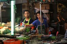 10 Unusual Things to do in Bangkok – Tips from a Local Thailand Shopping, Bangkok Thailand, Thailand Travel, Boat Noodle, Bangkok Itinerary, Thailand Destinations, Bon Plan Voyage, Attitude, Hotel Food