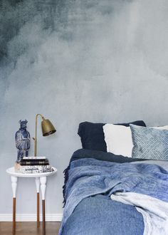 new Ideas accent wallpaper bedroom blue Deco Furniture, Colorful Furniture, Blue Bedroom, Bedroom Decor, Bedroom Ideas, Wall Decor, Accent Wallpaper, Bedroom Wallpaper, Camera Wallpaper