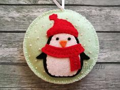 Please NOTE !!! In-time Christmas orders are over. Your order will be processed after holidays. Happy Holidays to all! ------------------------------------------ Felt christmas ornament - Penguin snowing snowglobe ornament/ wool felt This listing is for 1 ornament Size about 9 cm