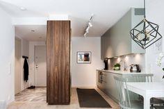 Okosan tervezett válaszfalak, tejüveggel és szekrénnyel kétszobás, 45m2-es lakásban P3