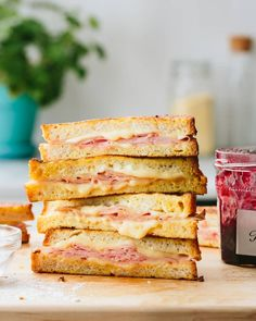 Tips for the Perfect Monte Cristo Sandwich Ultimate Grilled Cheese, Grilled Ham And Cheese, Monte Cristo Sandwich, Leftover Ham Recipes, Sandwiches, Brunch Recipes, Breakfast Recipes, Breakfast Ideas, Cooking Recipes