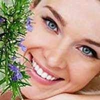 Alecrim a erva da felicidade e da vida... Alecrim, a erva da felicidade. O Alecrim tem a grande capacidade de transmitir sensação de bem-estar e felicidade para a vida das pessoas, além de vários outros benefícios para a saúde corporal, mental e espiritual...