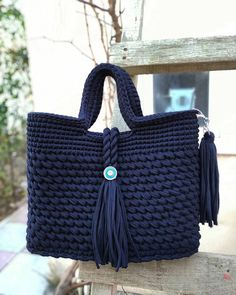 dusunurem bu ruqzaqi ozume saxlayim))))))))rengin cox sevdim)) I liked the colour.i think it must be mine😄😄😄 Free Crochet Bag, Diy Crochet And Knitting, Crochet Tote, Crochet Handbags, Crochet Purses, Hand Crochet, Crotchet Bags, Knitted Bags, Crochet Designs