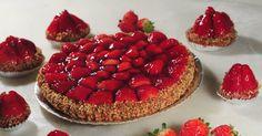 Saiba como fazer uma torta de morango como a da padaria - BOL Fotos - BOL Fotos