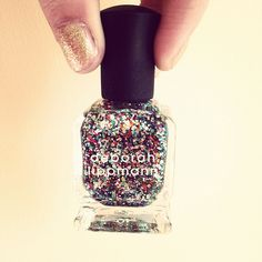 Deborah Lippmann has the ultimate glitter nail polish! #glitteron