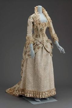Victorian Woman's dress in two parts (dress)  American, 1880  USA  Museum of Fine Arts Boston