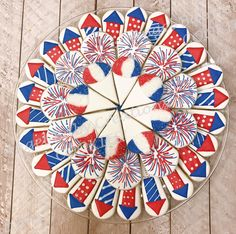 Summer Cookies, Holiday Cookies, Holiday Treats, Cookie Pizza, Cookie Tray, Cookie Cutters, 4th Of July Celebration, Fourth Of July, Cookie Designs