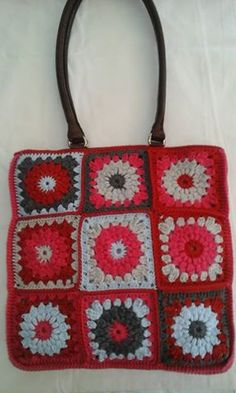 Crochet bag with 100% cotton thread