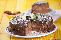 Receita de Bolo de chocolate e leite condensado. Descubra como cozinhar Bolo de chocolate de maneira prática e deliciosa com a Teleculinária!