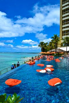 ::Usa travel inspiration - the edge pool, sheraton waikiki wanderlust, hawaii Hawaii Life, Aloha Hawaii, Hawaii Vacation, Hawaii Travel, Travel Usa, Honolulu Hawaii, Hawaii Hotels, Maui, Vacation Destinations
