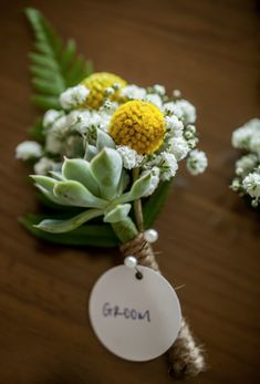 To see more fabulous wedding flower ideas: http://www.modwedding.com/2014/11/17/get-inspired-spectacular-wedding-flower-ideas-swoon-floral-design/ #wedding #weddings #boutonniere photo: Powers Photography Studios