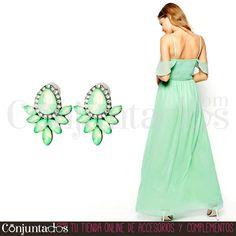 Pendientes Nadine verdes ★ 12'95 € en https://www.conjuntados.com/es/pendientes-nadine-verdes.html ★ #pendientes #earrings #conjuntados #conjuntada #joyitas #lowcost #jewelry #bisutería #bijoux #accesorios #complementos #moda #eventos #bodas #invitadaperfecta #perfectguest #party #fashion #fashionadicct #fashionblogger #blogger #picoftheday #outfit #estilo #style #streetstyle #casualstreet #spain #GustosParaTodas #ParaTodosLosGustos