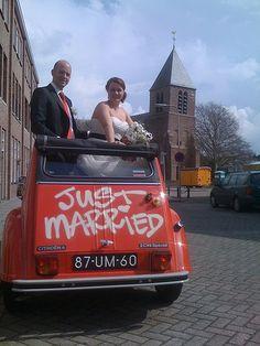 Just married.... by CitroenAZU, via Flickr • citroen 2CV April 12 2012 • Citroen 2CV wedding