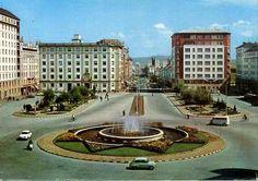 Plaza de España (Ferrol - A Coruña) años 60 Plaza, Transportation, To Go, Mansions, House Styles, Travel, Image, Renovation, Architecture