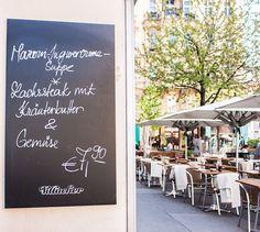 Gaststätte Schilling - Schanigarten (c) STADTBEKANNT - Das Wiener Online Magazin Online Magazine, Chalkboard Quotes, Art Quotes, City