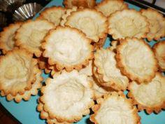 Reteta de acasa: Mini tarte cu fructe Sweets Recipes, Desserts, Apple Pie, Biscuits, Cooking, Food, Cakes, Pie, Tailgate Desserts