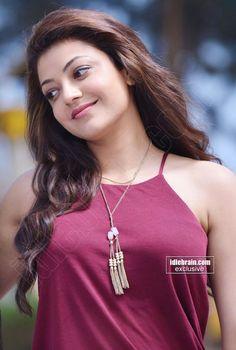 Kajal Agarwal Latest Cute & Sexy Stills In a Beach. Beautiful Girl Photo, Cute Girl Photo, Beautiful Girl Indian, Most Beautiful Indian Actress, Beautiful Smile, Beautiful Bollywood Actress, Beautiful Actresses, Beauty Full Girl, Beauty Women