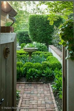 Garden Design Trends for 2016 - Alles für den Garten Formal Gardens, Small Gardens, Outdoor Gardens, Courtyard Gardens, Modern Gardens, Unique Garden, The Secret Garden, Secret Gardens, Garden Cottage