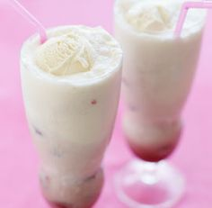 Raspberry & Champagne Ice Cream Floats