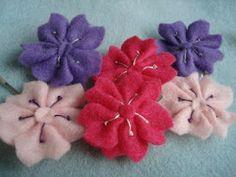 Little felt sakura flowers