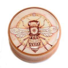 Vintage-Bumble-Bee-Illustration-on-Wooden-Saddle-Woode-Plug-Tunnels-Plugs-Gauge