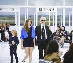 Die Chanel Fashion Show in 60 Sekunden ...