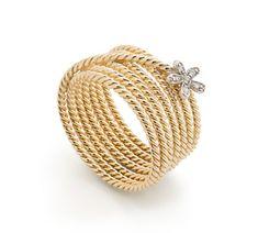 Anel de ouro amarelo e ouro branco 18K com diamantes - MyCollection Link:http://www.hstern.com.br/joias/p-produto/A2O193528/anel/mycollection/anel-de-ouro-amarelo-e-ouro-branco-18k-com-diamantes---mycollection