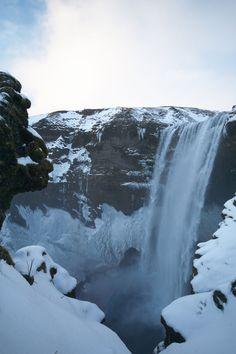 Après mon précédentarticle Voyager en Islande: conseils pratiques, je vais vous parler des différentes étapes de notre séjour (une semaine en février 2016), et vous donner mes bonnes adresses pou…