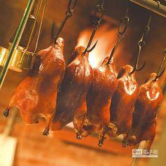 ▲在北京,〈長安壹號〉的烤鴨用的鴨種為北京鴨,其特性是生長快、脂肪囤積厚。圖/台北君悅酒店