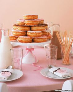 donuts as centerpiece for brunch wedding