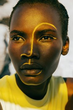 I like the shapes on the face African Tribal Makeup, Tribal Face, Black Is Beautiful, Makeup Art, Beauty Makeup, Creative Photography, Portrait Photography, Creative Makeup Looks, Aesthetic Makeup