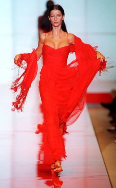 Valentino Paris Haute Couture Fashion Week Fall 1999 from Gisele Bündchen's Top Runway Moments Even in the early days of her modeling career, this beauty knew how to rule a runway.