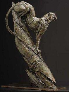 Un Sculpteur trop peu connu en France Dylan Lewis Ce jeune artiste sud-africain passionnant a émergé en tant qu'une des premières figures dans la sculpture animale co…