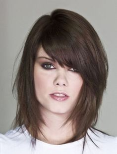Stylish Trendy Medium Short Layered Hairstyle With Bangs And Hair - Free Download Stylish Trendy Medium Short Layered Hairstyle With Bangs And Hair #3244 With Resolution 582x764 Pixel | KookHair.com