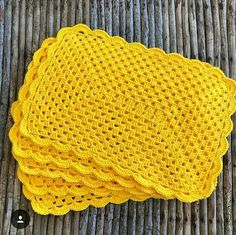 New Crochet Table Runner Free Pattern Projects Ideas Crochet Placemats, Crochet Table Runner, Crochet Dishcloths, Crochet Granny, Mode Crochet, Crochet Home, Crochet Gifts, Crochet Baby, Crochet Rug Patterns
