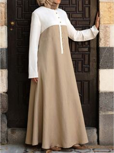 SHUKR's long dresses and abayas are the ultimate in Islamic fashion. Halal standards, ethically-made, international shipping, and easy returns. Modest Long Dresses, Muslim Long Dress, Simple Dresses, Casual Dresses, Maxi Dresses, Mode Abaya, Mode Hijab, Abaya Fashion, Fashion Dresses
