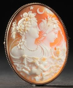 Shell Cameo Brooch, Finely Carved Diana And Athena In An Unmarked 14k Gold Frame - American   c.1901-1925  -  Prices4Antiques